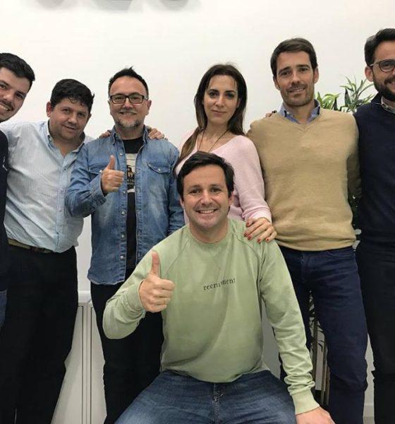 grupo de emprendedores que han cursado el taller 1-12-6 de Ricardo Llamas entre ellos está la periodista y actriz de málaga carmen moreno